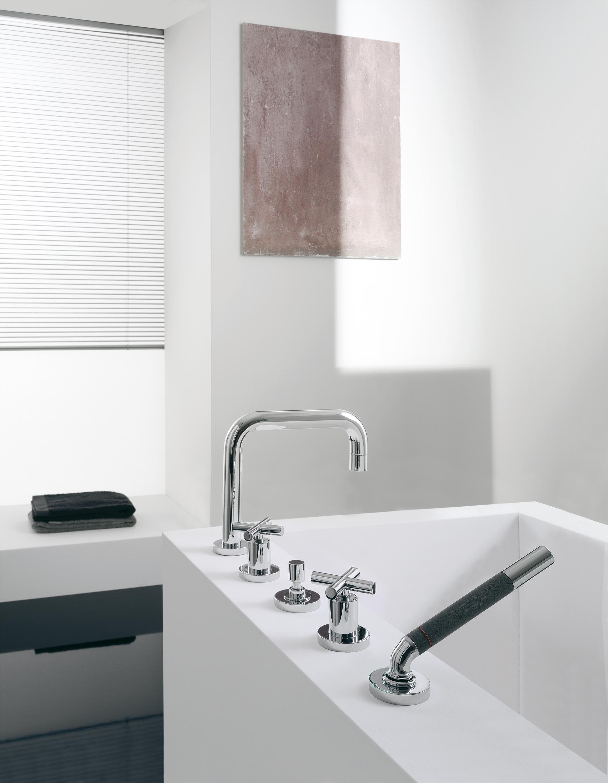 waschbecken und badezimmer armaturen dada. Black Bedroom Furniture Sets. Home Design Ideas