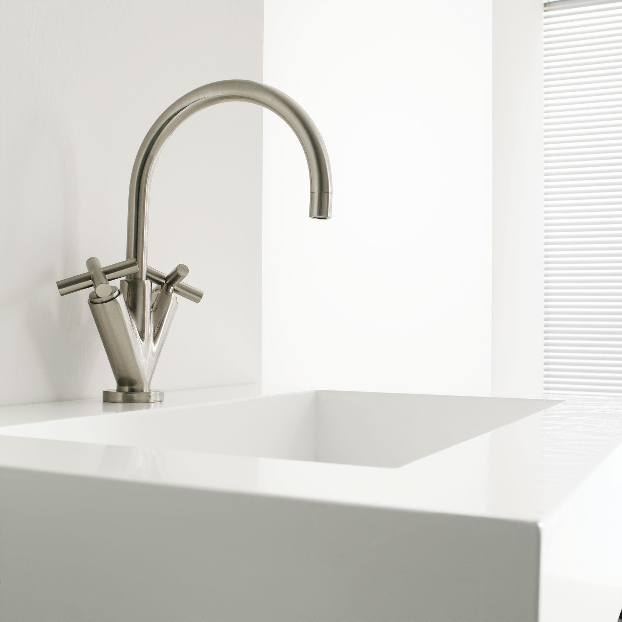 Waschbecken- und Badezimmer-Armaturen Dada